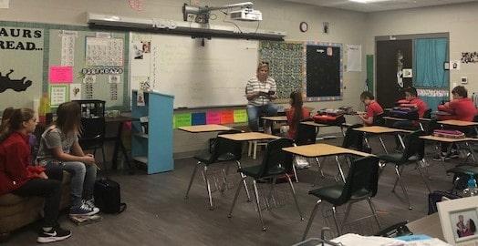 Middle School English Classes Invite Volunteer Readers